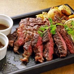 アンガス牛炭火焼きステーキ